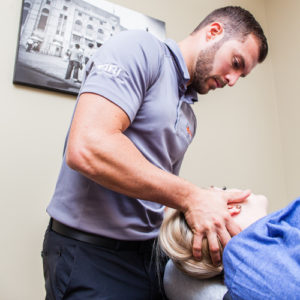 Chiropractic services being provided at Dynamic Spine and Sports Therapy