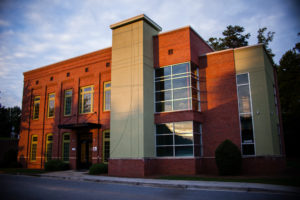 Kennesaw chiropractor Dynamic Spine and Sports Therapy building at dawn